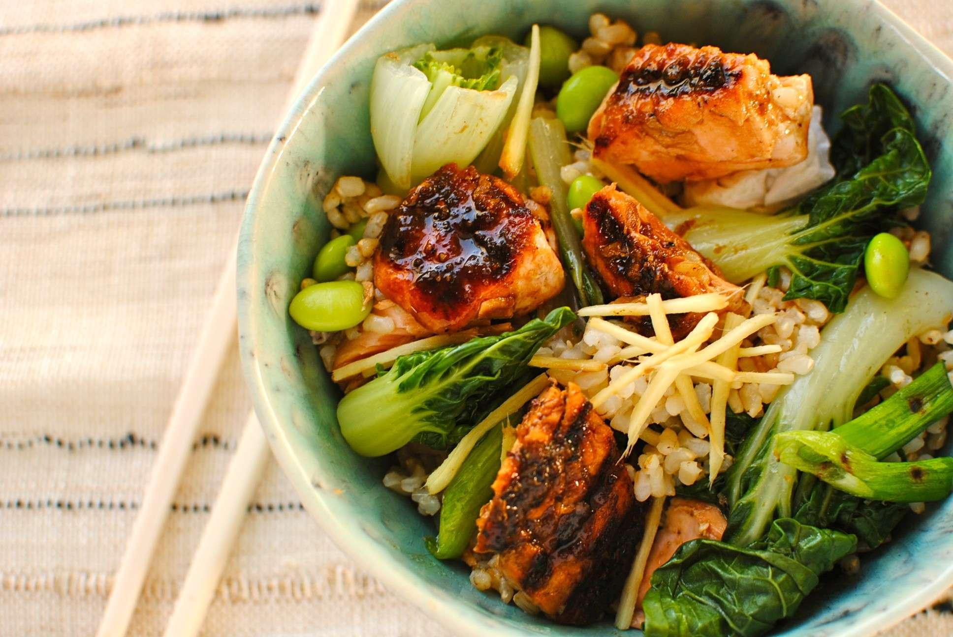 Steamed salmon & veg rice bowl
